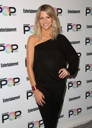 Kaitlin Olson - Entertainment Weekly PopFest in Los Angeles