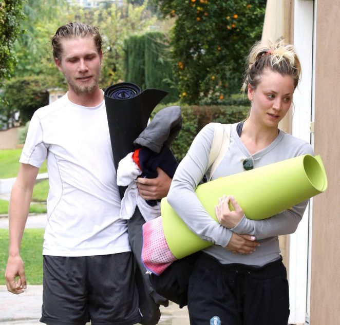 Kaley Cuoco and boyfriend Karl Cook Leaves yoga class -10