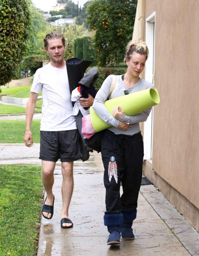 Kaley Cuoco and boyfriend Karl Cook Leaves yoga class -12