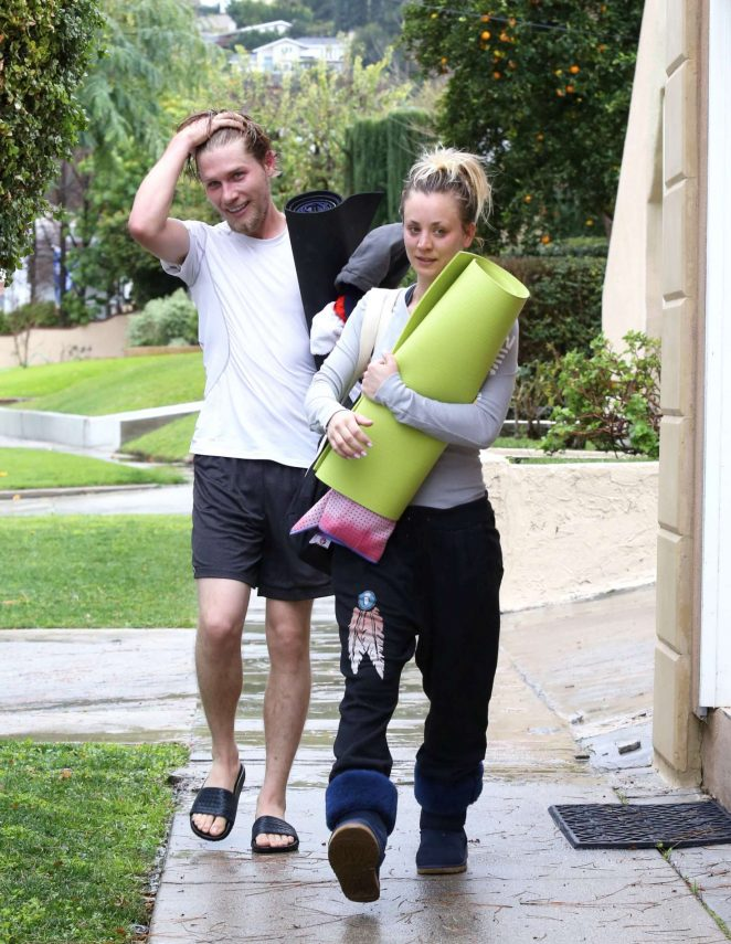 Kaley Cuoco and boyfriend Karl Cook Leaves yoga class -15