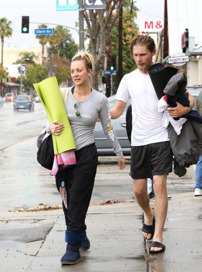 Kaley Cuoco and boyfriend Karl Cook Leaves yoga class -21