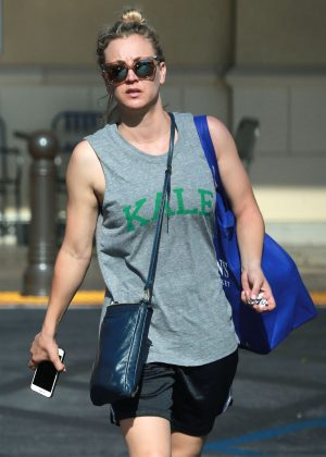 Kaley Cuoco at at Gelson's Market in California