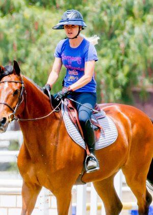 Kaley Cuoco - Horseback Riding in Los Angeles