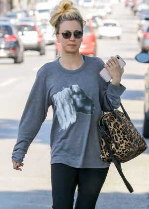 Kaley Cuoco in Leggings out in Studio City