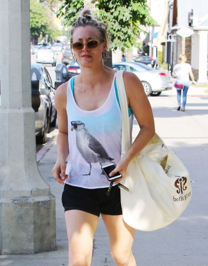 Kaley Cuoco 2015 : Kaley Cuoco in Shorts -17