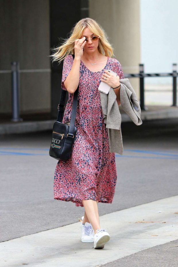 Kaley Cuoco: In Summer dress out in Los Angeles -06