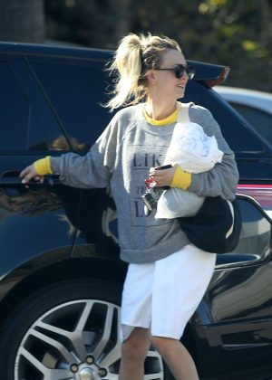 Kaley Cuoco - Leaving a yoga class in Los Angeles