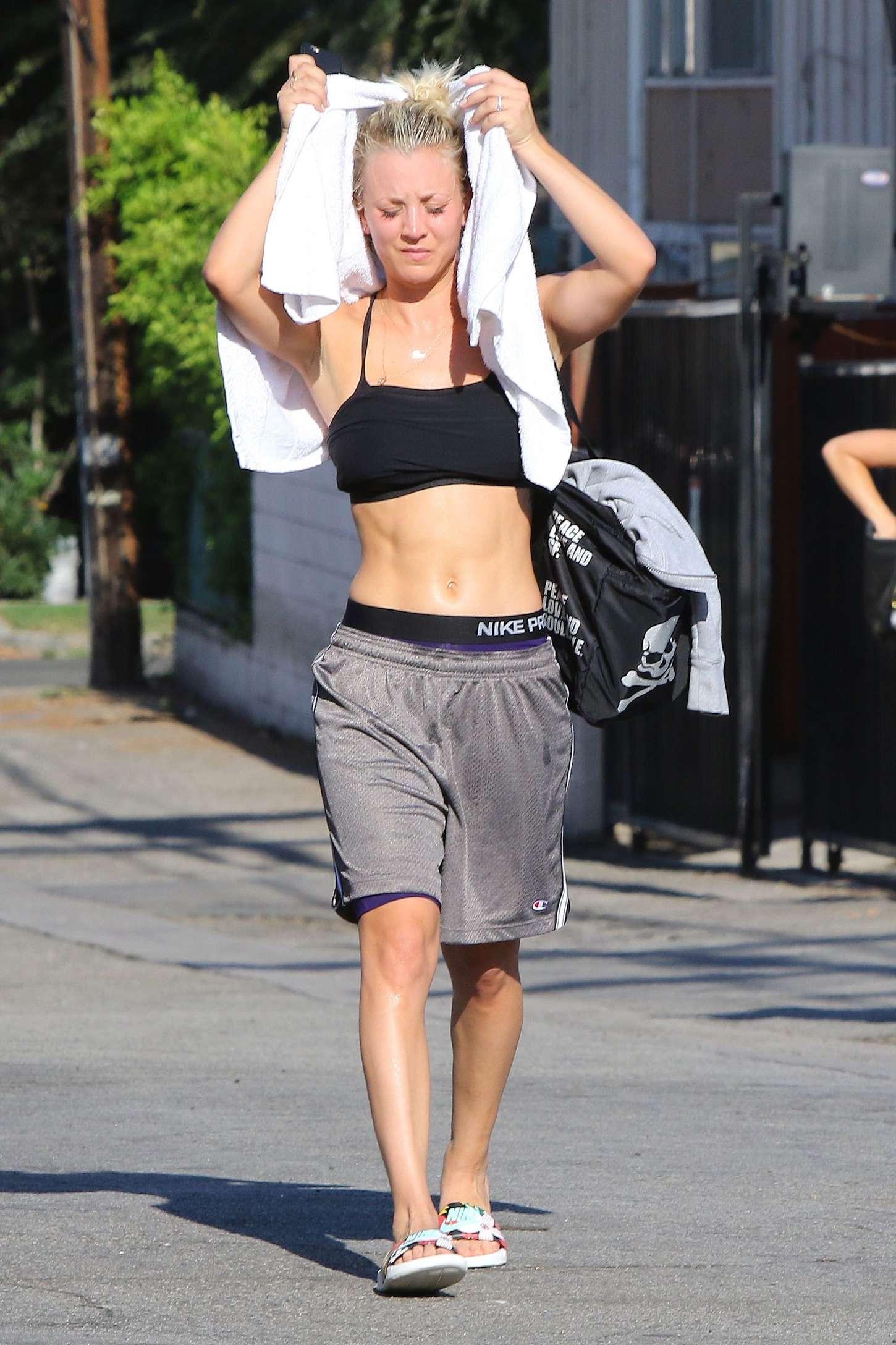 Kaley Cuoco – Leaving a yoga class in Studio City – GotCeleb