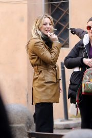 Kaley Cuoco - On set of the new TV drama series 'The Flight Attendant' in Rome