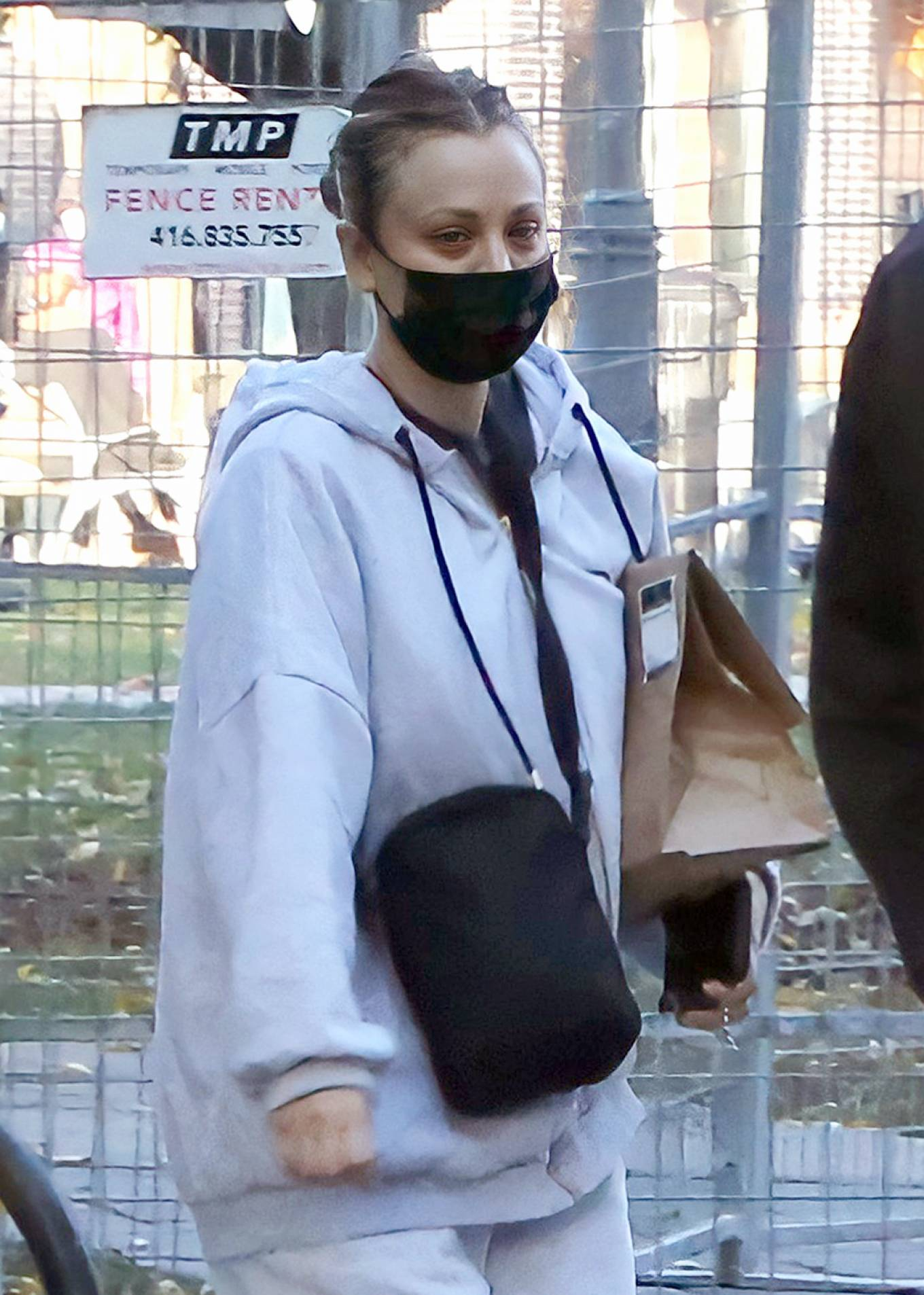 Kaley Cuoco - On the set of her new movie 'The Man From Toronto' in Toronto