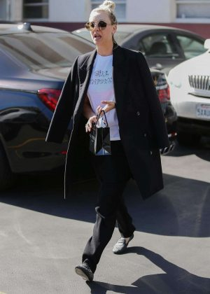 Kaley Cuoco - Out and about in Los Angeles