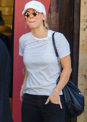 Kaley Cuoco - Out for lunch in Studio City