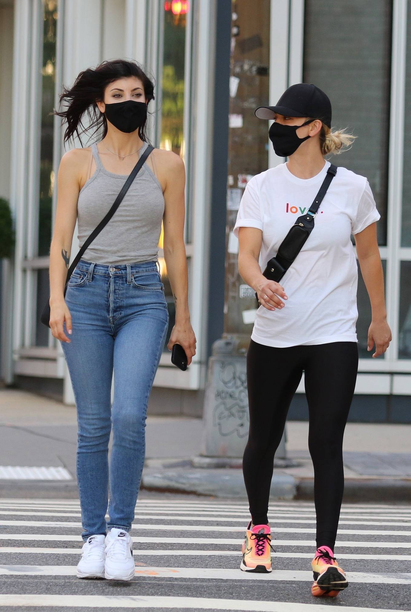 Kaley Cuoco 2020 : Kaley Cuoco out for stroll with her sister in Manhattan-06