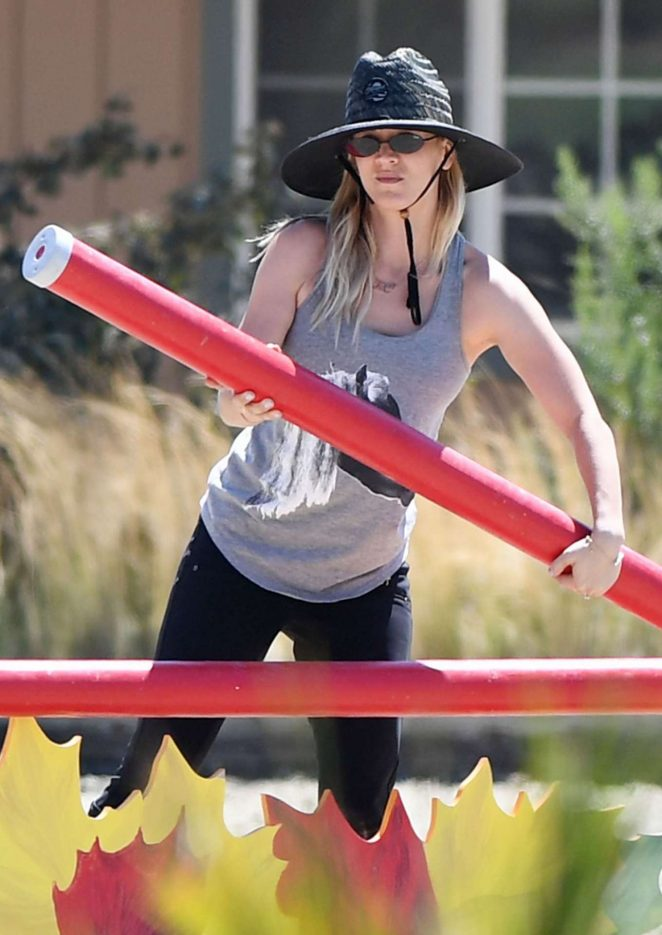 Kaley Cuoco - Seen At Equestrian Center In Los Angeles