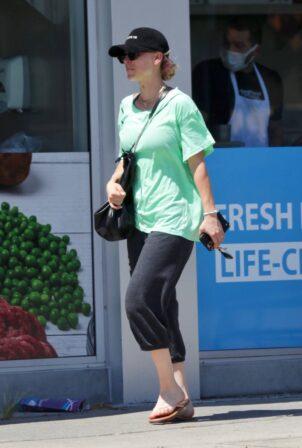 Kaley Cuoco - Seen leaving Yoga Class in LA