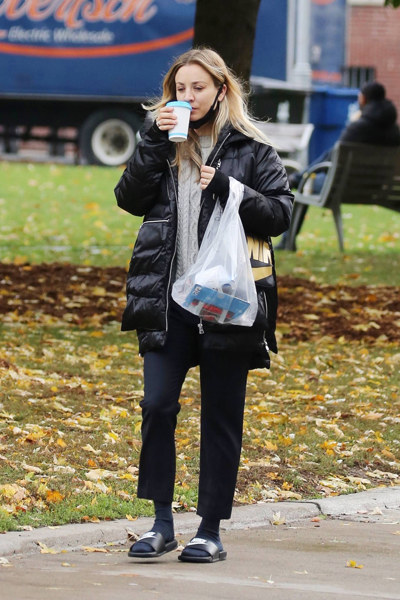 Kaley Cuoco 2020 : Kaley Cuoco – Spotted while out in Toronto-03