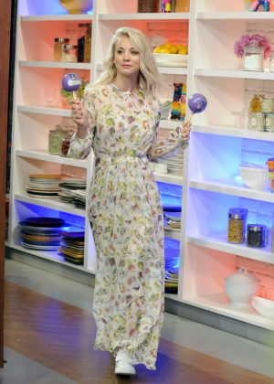 Kaley Cuoco - 'The Chew' guest appearance in New York