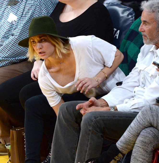Kaley Cuoco - Watch the LA Lakers vs. Housten Rockets at Staples Center in LA