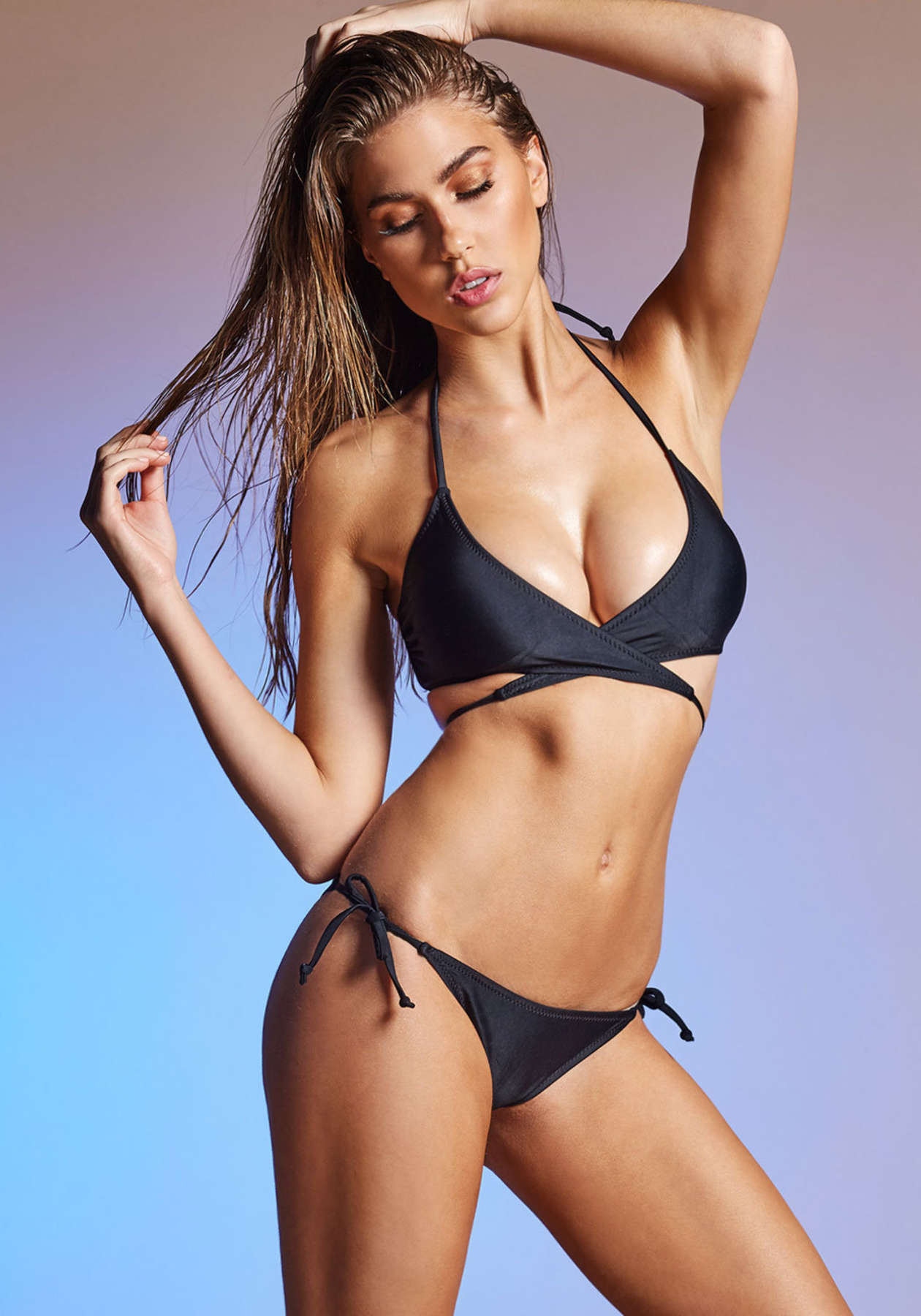 Kara Del Toro in Bikini Hot Photos  Pic 1 of 35