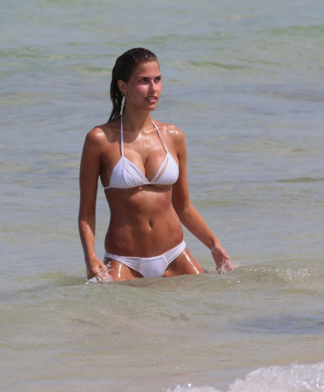 Kara Del Toro in Bikini Hot Photos  Pic 33 of 35
