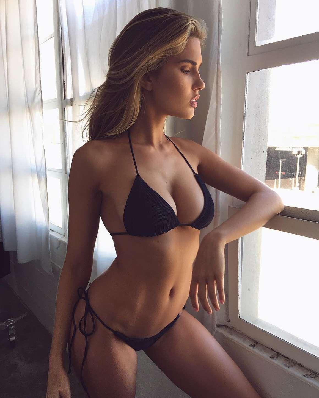 Kara Del Toro Hot Nude Photos 17