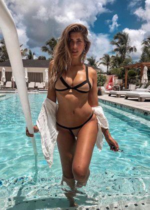 Bikini Kara In