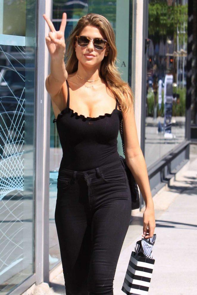 Kara Del Toro in Skinny Jeans Shopping in Beverly Hills