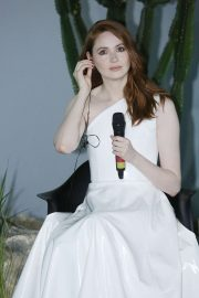 Karen Gillan - 'Jumanji: The Next Level' Photocall in Sao Paulo