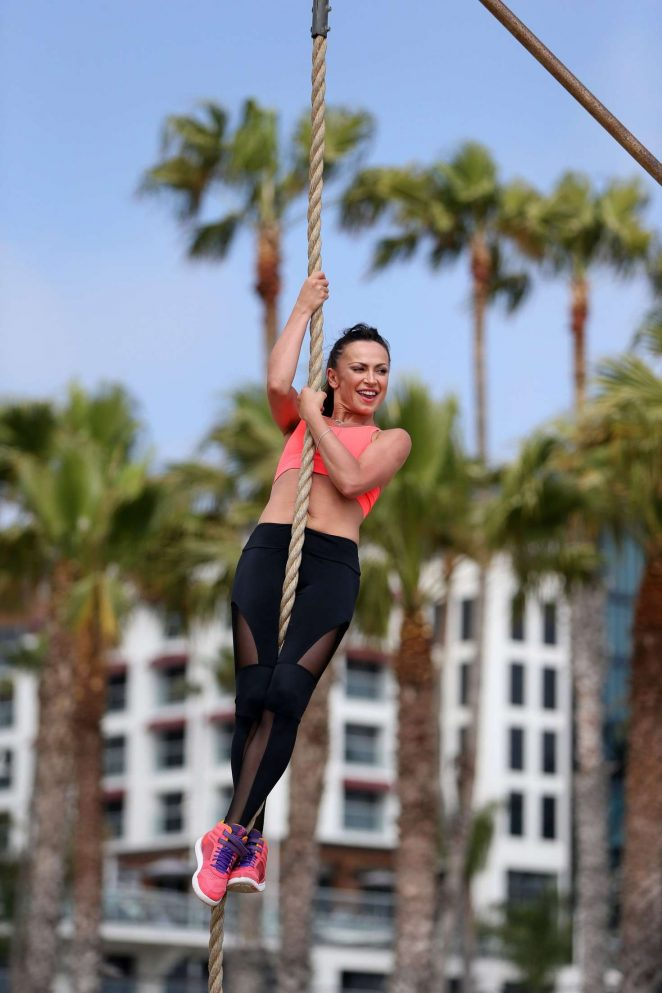 Karina Smirnoff in Leggings workout -11