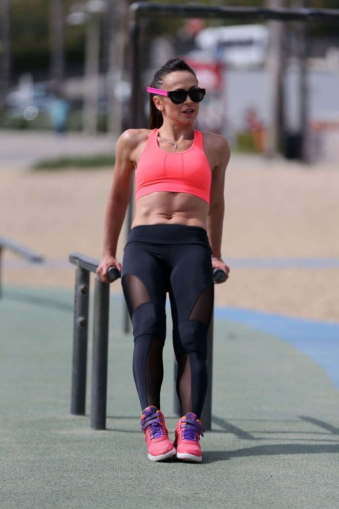 Karina Smirnoff in Leggings workout -13