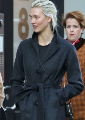 Karlie Kloss - After brunch at Fiat Cafe in New York