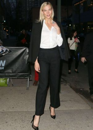 Karlie Kloss - Arrives at Daily Show in New York