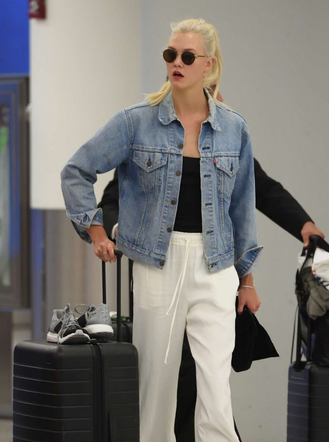 Karlie Kloss - Arrives at JFK Airport in NYC