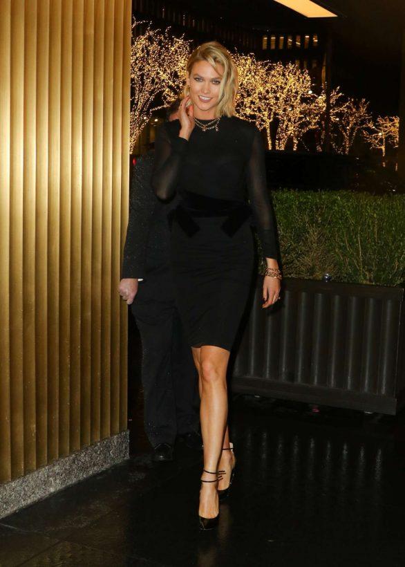 Karlie Kloss 2019 : Karlie Kloss – Arrives at The Tonight Show Starring Jimmy Fallon-01