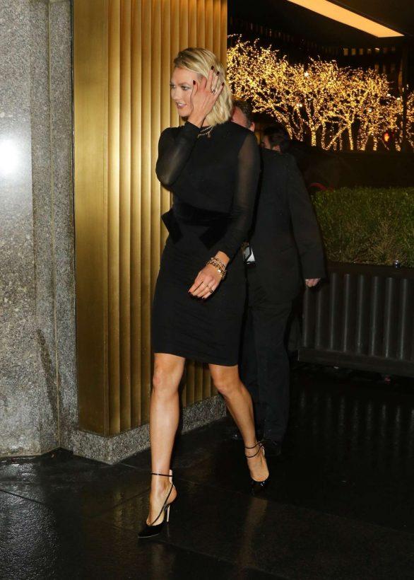 Karlie Kloss 2019 : Karlie Kloss – Arrives at The Tonight Show Starring Jimmy Fallon-05