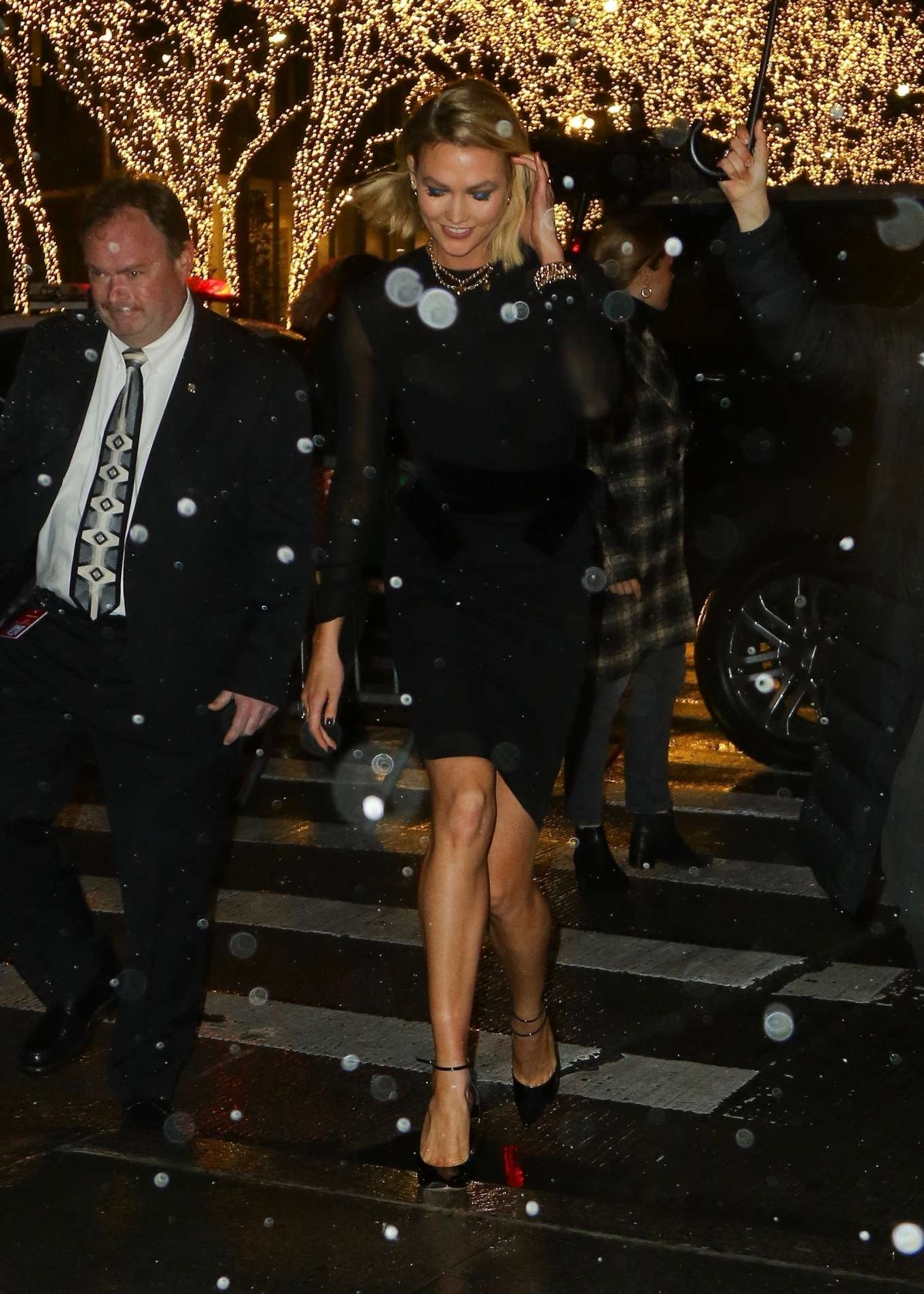 Karlie Kloss – Arrives at The Tonight Show Starring Jimmy Fallon-11