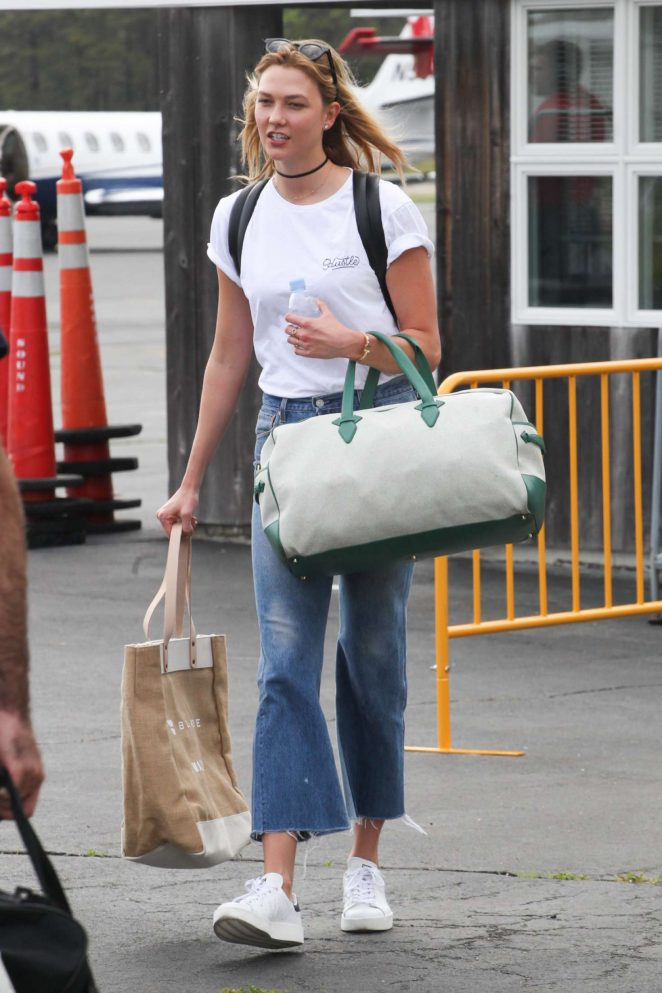 Karlie Kloss - Arrives in the Hamptons for Memorial Day weekend in NYC