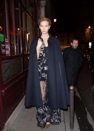 Karlie Kloss - Arriving at the Grand Colbert Restaurant in Paris