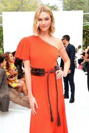 Karlie Kloss - Carolina Herrera Fashion Show in New York