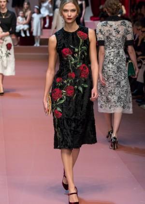 Karlie Kloss - Dolce&Gabbana Fashion Show 2015 in Milan