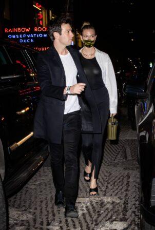 Karlie Kloss - Enjoys date night at Saturday Night Live in Brooklyn