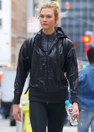 Karlie Kloss - Heading from the gym in NYC