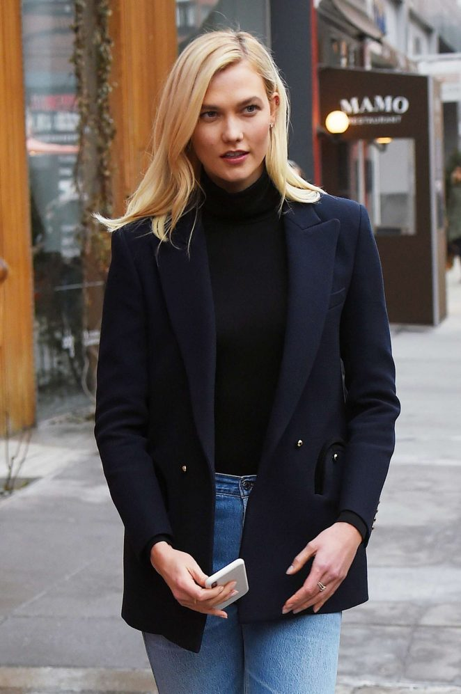Karlie Kloss - Heading to Carolina Herrera's Good Girl Spray Perfume Event in NYC
