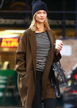 Karlie Kloss - Heads to a meeting in New York