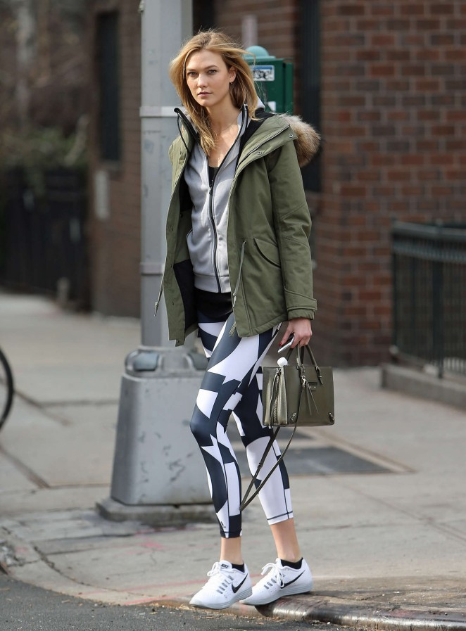 Karlie Kloss in tights heads to the gym -13