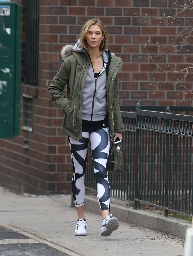 Karlie Kloss in tights heads to the gym -14