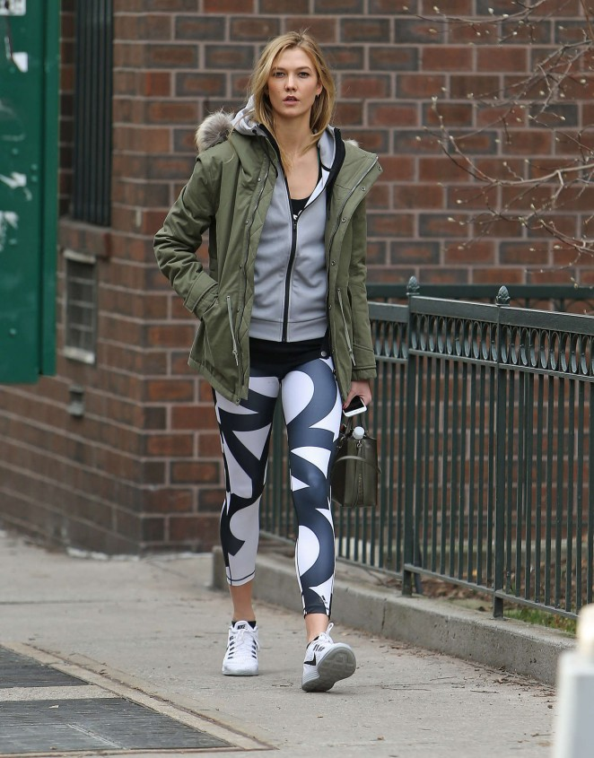 Karlie Kloss in tights heads to the gym -16