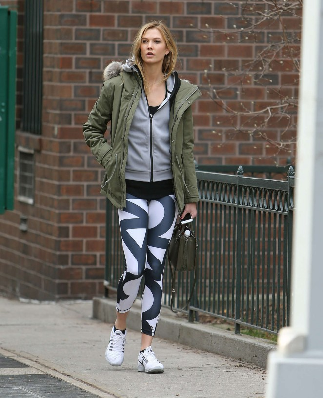 Karlie Kloss in tights heads to the gym -17