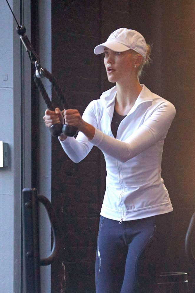 Karlie Kloss – Hits the gym in NYC