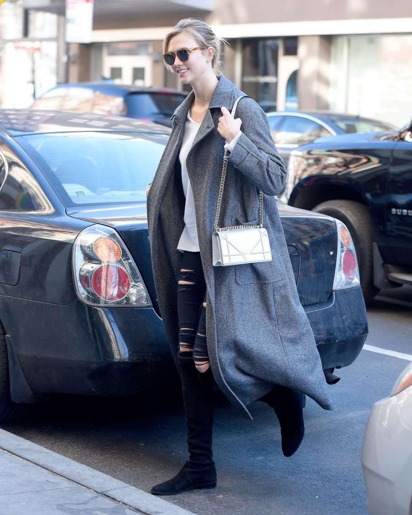 Karlie Kloss 2017 : Karlie Kloss in Grey Long Coat -06